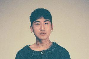 Nam ca sĩ Hàn bị phanh phui chuyện quay lén phụ nữ trong phòng tắm