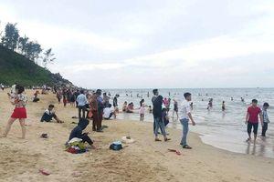 Chuyên viên phòng giáo dục tử vong khi tắm biển Thiên Cầm