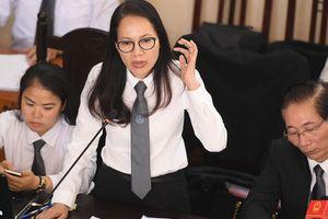 Nữ luật sư nhiều lần rơi nước mắt khi bào chữa cho BS Lương
