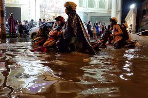 Đô thị phát triển 'nóng', TP.HCM hễ mưa là ngập
