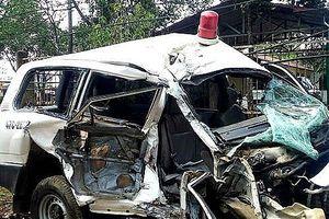 Vụ xe máy đâm xe cứu thương, 3 người chết: Phó Thủ tướng chỉ đạo khẩn