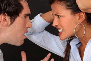 Chồng mua dâm, lây bệnh sùi mào gà cho vợ, chữa mãi không khỏi còn đánh vợ vì tội 'bẩn thỉu'
