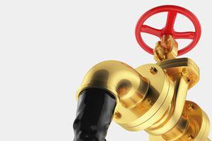 'Cặp đôi' giá vàng - giá dầu: Bên leo đỉnh, bên tuột dốc