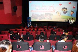 Chiếu phim miễn phí cho 100 em học sinh nghèo hiếu học ở tỉnh Quảng Ninh
