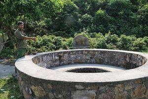 Kỳ bí 'mắt làng' trên đảo tiền tiêu
