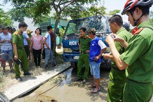 Bắt quả tang đối tượng xả trộm 2,7 tấn nhớt thải vào cống thoát nước