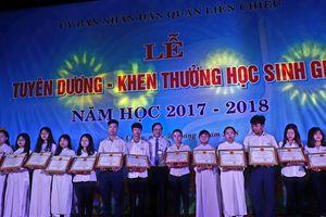 UBND quận Liên Chiểu (Đà Nẵng) tuyên dương, khen thưởng học sinh giỏi