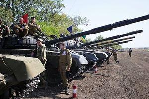 Ukraine ớn Nga thổi bùng lửa chiến ở Donbass