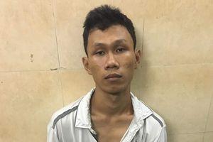 Truy đuổi bắt 'nóng' tên cướp giật