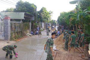 Phong trào 'Quân đội chung sức xây dựng nông thôn mới' ở Trường Hạ sĩ quan xe tăng 1