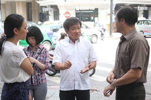 Ông Đoàn Ngọc Hải dẫn đầu đoàn liên ngành kiểm tra PCCC ở quận 1