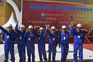 Trung Quốc biến châu Phi trở thành 'công xưởng mới của thế giới' như thế nào?