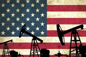 Giá dầu chốt tháng sụt giảm mạnh