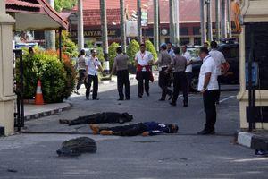 Bắt cựu sinh viên Indonesia dùng bom 'mẹ quỷ sứ Satan' để khủng bố