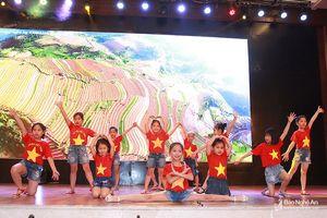 Sôi động ngày hội gia đình Báo Nghệ An