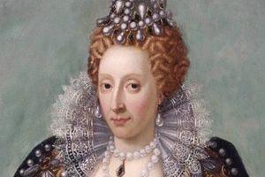 Chuyện khó tin về Nữ hoàng trinh tiết kỳ lạ nhất châu Âu