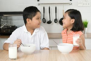 4 lưu ý giúp phát huy lợi ích của sữa tươi mẹ có biết chưa ?