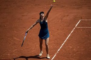 Đấu Serena, Sharapova bất chiến tự nhiên thành