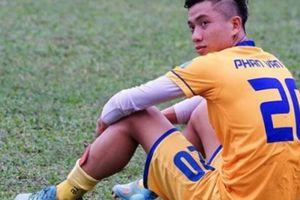 Phan Văn Đức U23 bị lật cổ chân, xác định nghỉ dài hạn