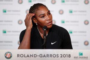 Serena rút lui ngay trước giờ đấu với Sharapova