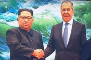 Kênh truyền hình Nga 'phẫu thuật' gương mặt cho ông Kim Jong-un?
