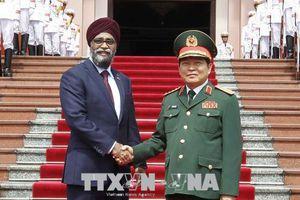 Bộ trưởng Bộ Quốc phòng Canada thăm chính thức Việt Nam