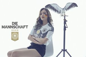 Ngắm bộ ảnh Phương Chi cổ vũ tuyển Đức tại World Cup 2018