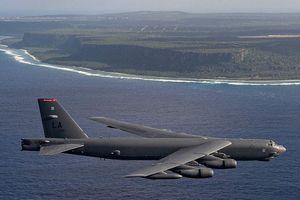 Mỹ điều 2 oanh tạc cơ B-52 bay gần Trường Sa