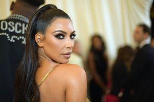 Kim Kardashian West - cô nàng siêu vòng ba và cuộc phá vỡ thành công những tiêu chuẩn làm đẹp thông thường