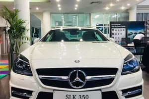 Mercedes-Benz SLK350 CarbonLOOK Edition: Mui trần tuyệt đẹp từ ''ngôi sao ba cánh''