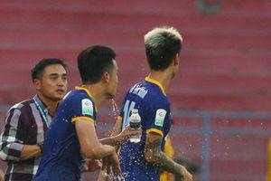 Vòng 12 V-League 2018: FLC Thanh Hóa và B.Bình Dương bại trận nặng nề