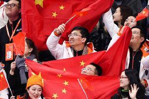 Cổ động viên Trung Quốc `sang chảnh` tới Nga xem World Cup