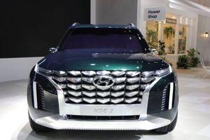 Hyundai hé lộ hình ảnh ban đầu về mẫu SUV 8 chỗ ngồi mới