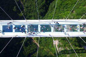 11 cây cầu treo đáng sợ nhất thế giới