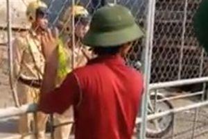 CSGT Nam Định bị người dân 'nhốt': Chuyện không hẳn vậy