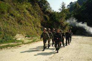 Đồn Biên phòng Bản Máy tuần tra song phương với lực lượng bảo vệ biên giới Trung Quốc