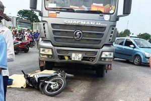 Đi qua ngã tư, người phụ nữ bị xe tải cán tử vong tại chỗ
