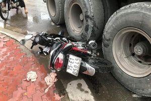 Quận 12: 1 phụ nữ trọng thương dưới bánh xe đầu kéo