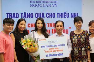 Hoa hậu Hoàn Vũ nhí ủng hộ trẻ em có hoàn cảnh khó khăn
