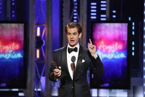 Andrew Garfield thắng giải Tony cho vai diễn đồng tính