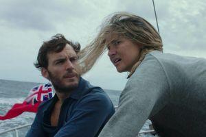 'Giành anh từ biển': Câu chuyện tình ngọt ngào giữa giông bão