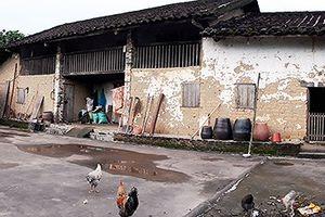 Những cổ vật độc đáo trong ngôi nhà cổ trăm tuổi ở vùng 'Sapa Quảng Ninh'