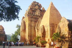 Những đền xưa… đổ nát dưới thời gian