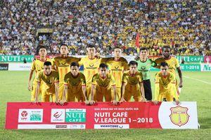 Nam Định thắng trận 'chung kết ngược' lượt đi V-League 2018