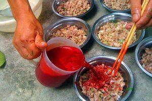 Thái Bình: Ăn tiết canh lợn rừng, 50 người bị ngộ độc