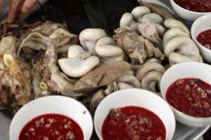 50 người nghi ngộ độc do ăn tiết canh, lòng lợn ở Thái Bình
