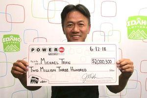 Chỉ chọn một dãy số suốt 18 năm, người đàn ông Mỹ trúng 2 triệu USD giải Powerball