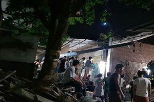 Hà Nội: Nhà đang thi công bị sập, 4 người thương vong