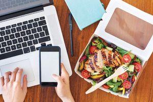 Nhộn nhịp thị trường dịch vụ giao thức ăn
