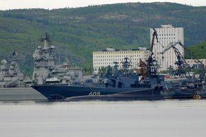 Hàng chục tàu chiến Nga sầm sập ra biển Barents 'đối phó kẻ thù'